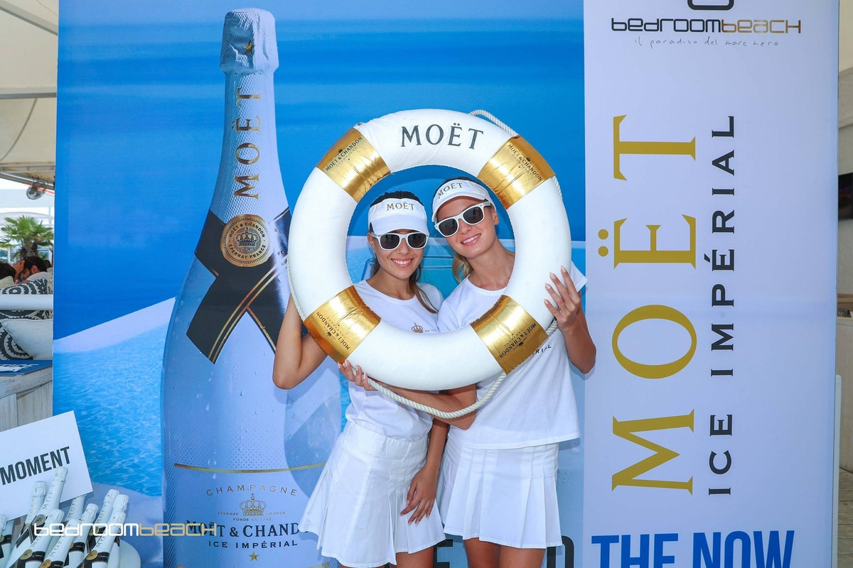 Moet Double Vision